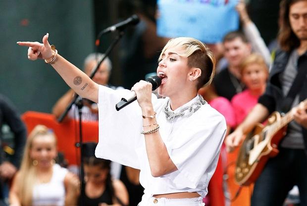 Strój Miley Cyrus zszokował jej fanów w Chicago