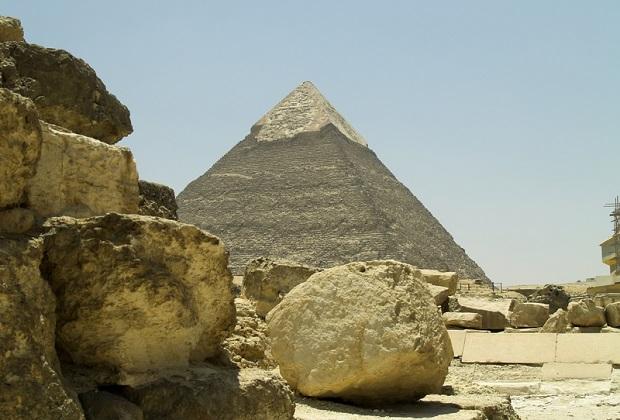 Eksplozja pod piramidami. Celem ataku był autobus przewożący turystów