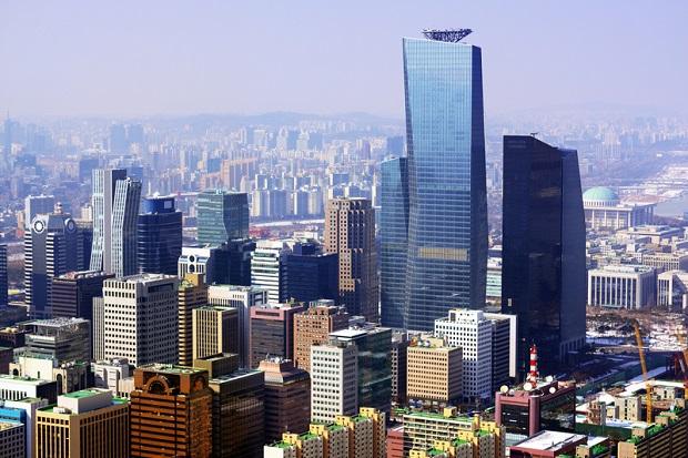 Dziesiątki tysięcy ludzi na ulicach Seulu domagało się odejścia urzędującej prezydent