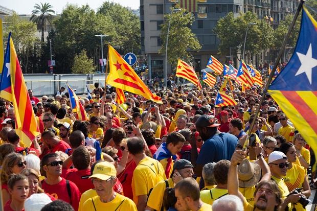 Barcelona: Starcia demonstrujących z policją