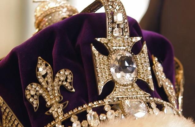 Pozew przeciwko królowej Elżbiecie II