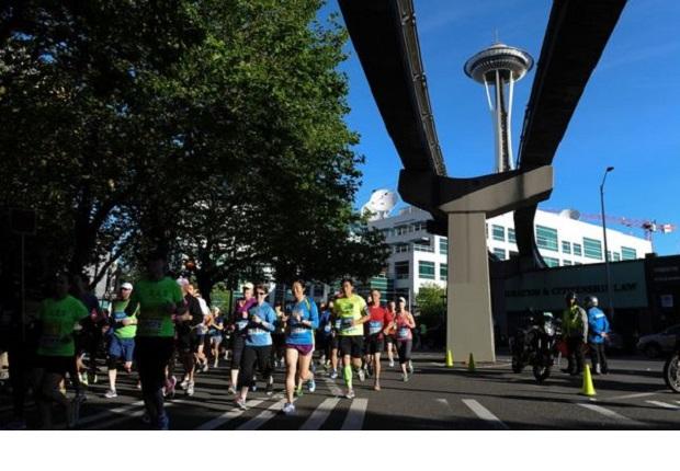 Piętnaście tysięcy osób pobiegło w maratonie w Seattle. Wygrało małżeństwo
