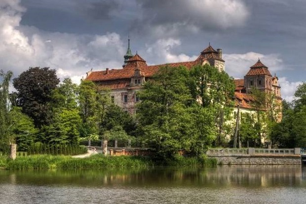 Zbrojownia i winiarnia będą nowymi atrakcjami zamku w Niemodlinie