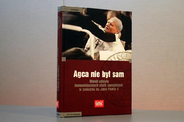 """""""Agca nie był sam"""" – premiera książki o zamachu na Jana Pawła II"""