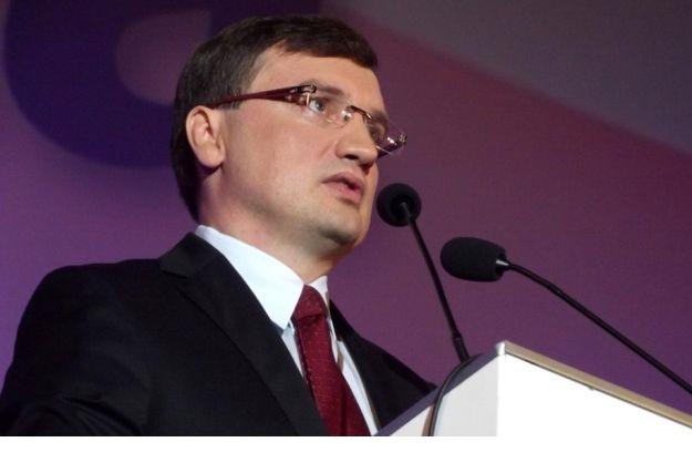 Zarzuty dla ośmiu osób ws. reprywatyzacji w Warszawie