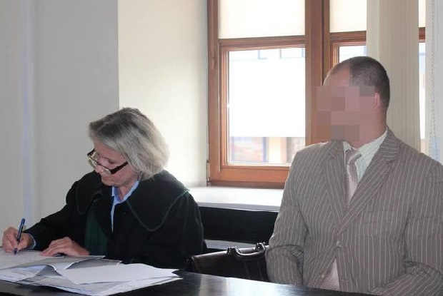 W komisariacie w Lublinie policjant bił i poniżał 17-latka