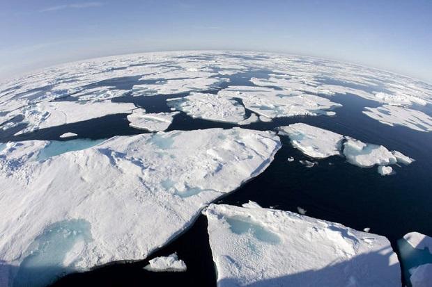 Idą upały nad Grenladię i Arktykę. Lód stopi się?