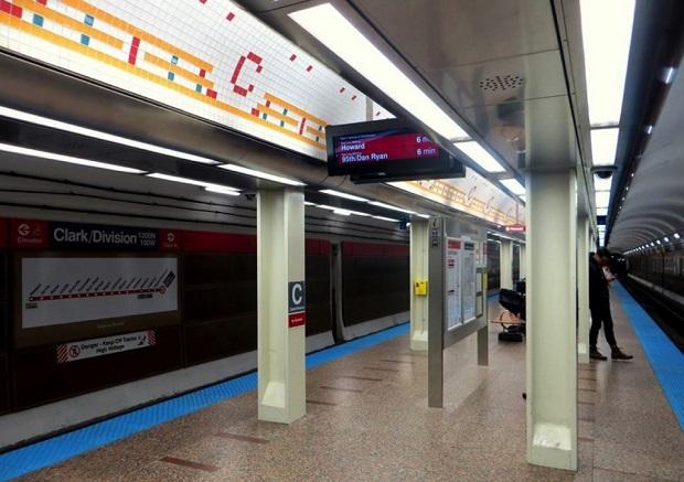 Wypadek na peronie Red Line w Chicago