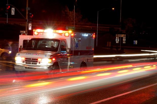 Spadł z motoru na autostradzie. 82-latek nie żyje