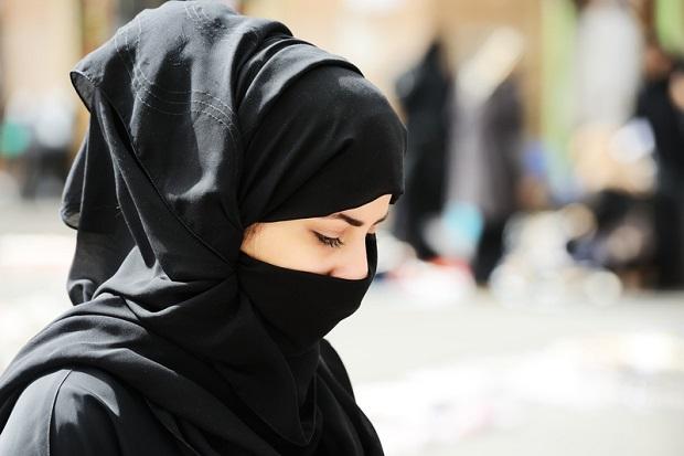 Macron chce zreformować funkcjonowanie islamu we Francji