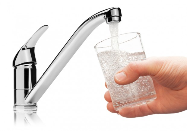Jakość wody w kranach w Warszawie niepewna? Zawiadomienie do prokuratury