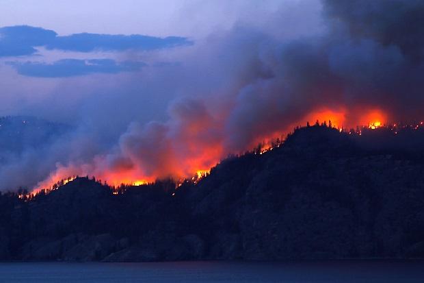 Około tysiąca turystów ewakuowano ze szlaków w Tatrach Wysokich na Słowacji, gdzie wybuchł pożar