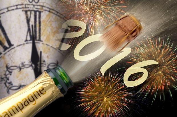 Huczne zabawy, bale, toasty i fajerwerki!