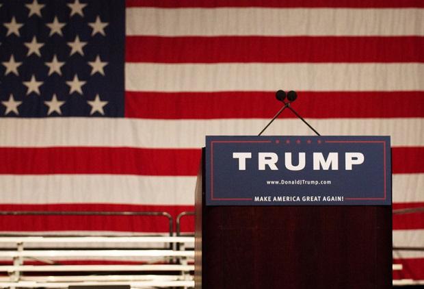 Studenci chcą odwołania wiecu wyborczego Donalda Trumpa na University of Illinois