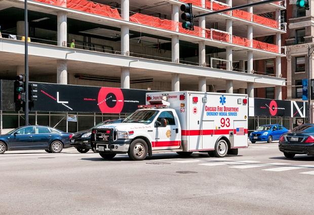 Trzy osoby poważnie ranne w wypadku na skrzyżowaniu Ashland i Division