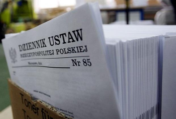 Morawiecki: Ograniczamy biurokrację, było 30 tysięcy stron ustaw, jest 15 tysięcy