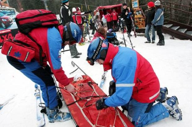 Wypadki na stokach narciarskich. Ponad 240 interwencji GOPR-owców w Beskidzie Sądeckim