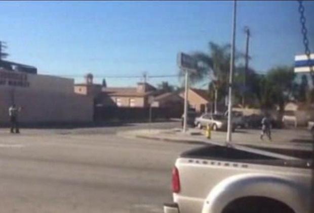 33 strzały w podejrzanego. Policjanci zastrzelili mężczyznę na ulicy