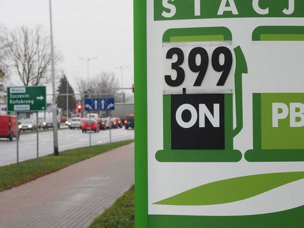 Olej napędowy w Koszalinie już poniżej 4 złotych za litr