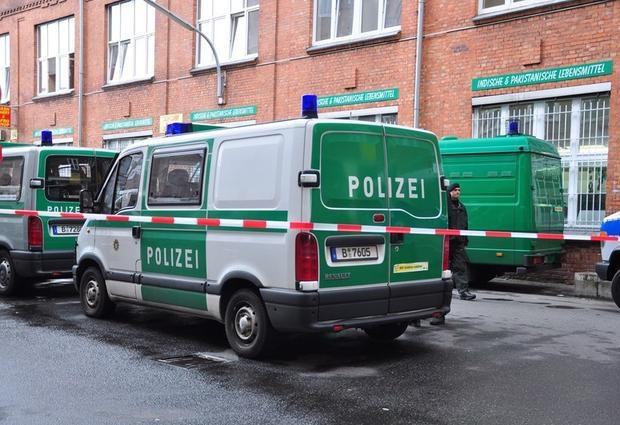 Niemcy: W Lipsku imigranci walczyli z policją, by nie dopuścić do deportacji imigranta z Syrii