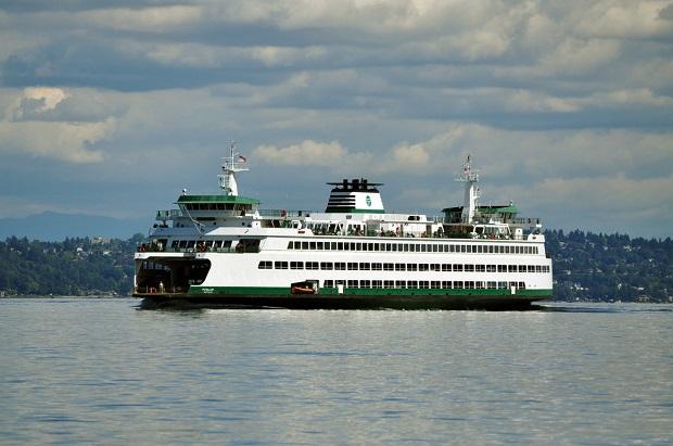 Wypadek olbrzymiego promu kursującego do Seattle