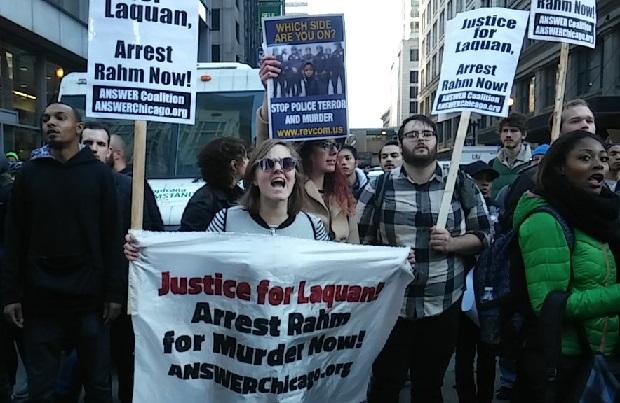 Protesty w centrum Chicago, zebrani domagali się dymisji Emanuela