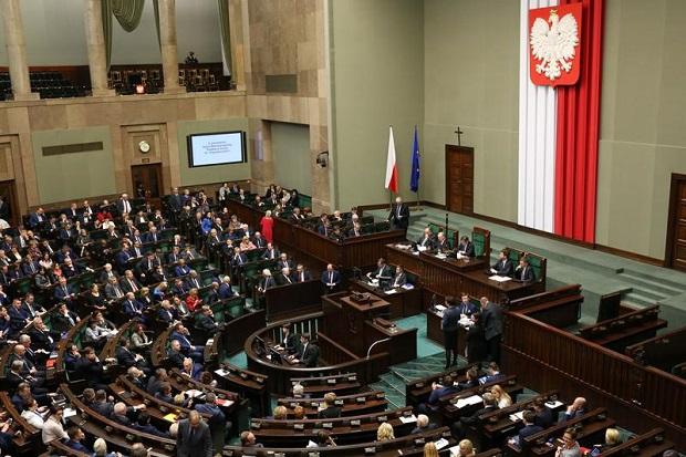 Sejm przyjął uchwałę ws. ludobójstwa wołyńskiego