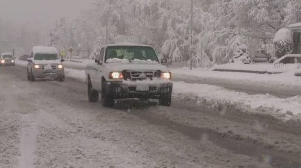USA: Burze śnieżne i silny wiatr utrudniają podróże Amerykanów na Święto Dziękczynienia