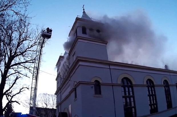Pożar dachu kościoła św. Antoniego w Braniewie