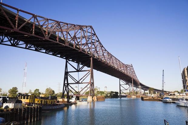 Kobieta popełniła samobójstwo skacząc z mostu na Chicago Skyway