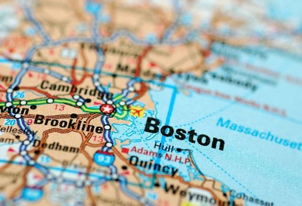Gubernator Rhode Island chce szybkiej kolei pomiędzy Providence a Bostonem
