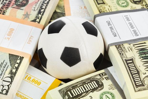 Football Leaks – największy w historii wyciek danych na temat operacji finansowych w świecie piłki nożnej.