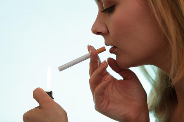 Senat Illinois za podniesieniem do 21 lat wieku osób mogących kupić papierosy