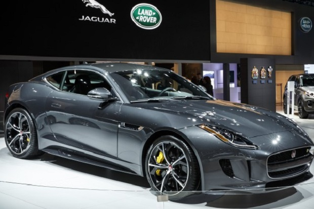 Jaguar F – Type SVR w Genewie