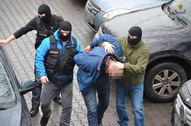 Ponad 100 kg dopalaczy, 34 aresztowanych