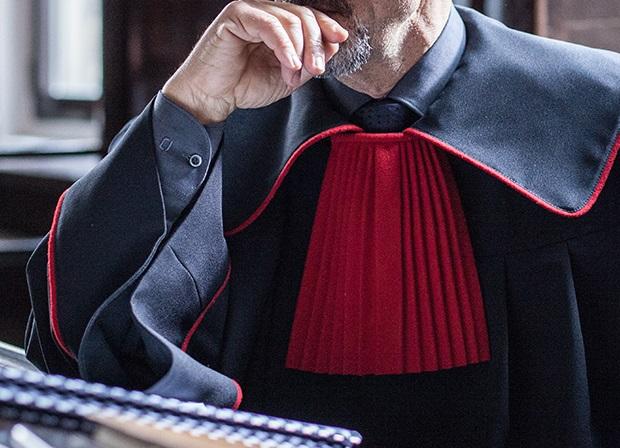 Prokuratorzy składają oświadczenia o przejście w stan spoczynku