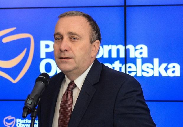 PO zapowiada złożenie wniosku o odwołanie Macierewicza