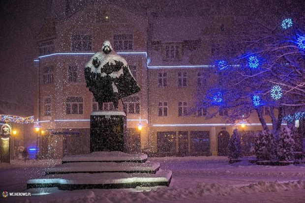 Wejherowski pomnik Dartha Vadera podbija internet
