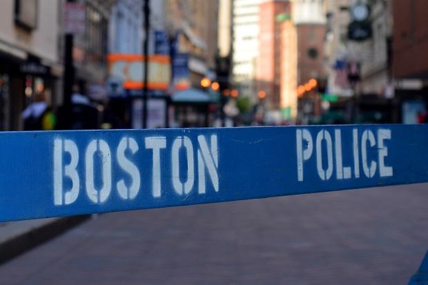 Strzelanina przed klubem w Bostonie, nie żyje jedna osoba