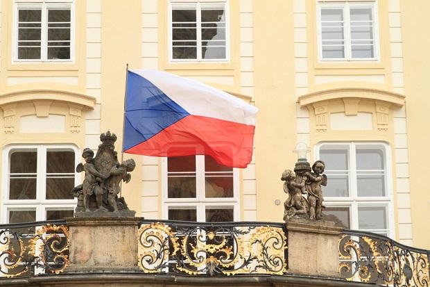 Wybory prezydenckie w Czechach: Zeman liderem