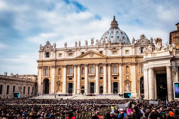 Watykan: Polacy przekazali symbole Światowych Dni Młodzieży Panamczykom