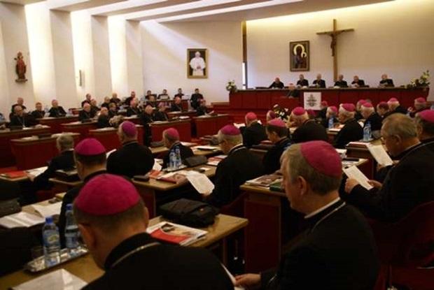 Episkopat przeciwny karaniu kobiet za aborcję