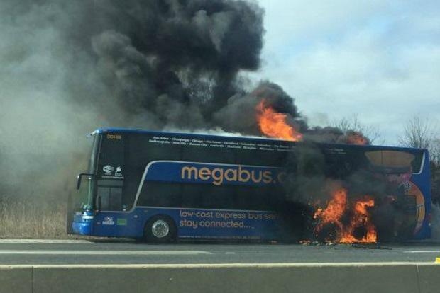 Pożar autobusu z Chicago do Minneapolis