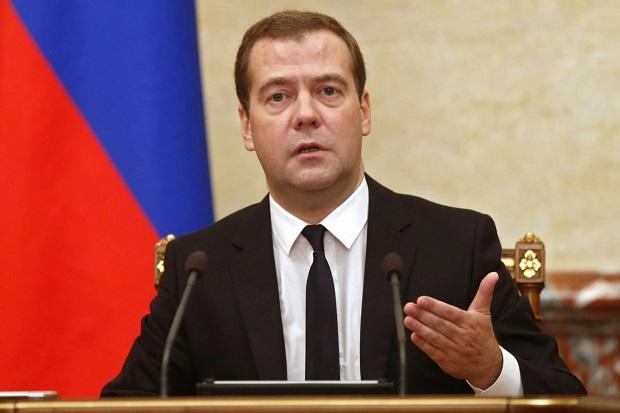 Rosja: Miedwiediew znów premierem