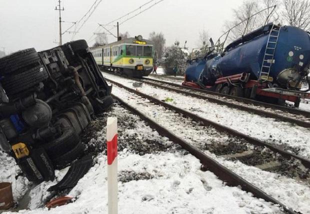 Zderzenie pociągu z cysterną w Nowej Soli