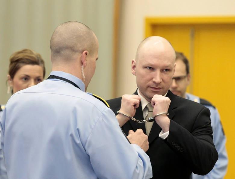 Norwegia złoży apelacje w sprawie warunków więzienia Andersa Breivika