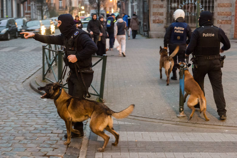 Bruksela – 5 osób zatrzymanych w związku z terroryzmem