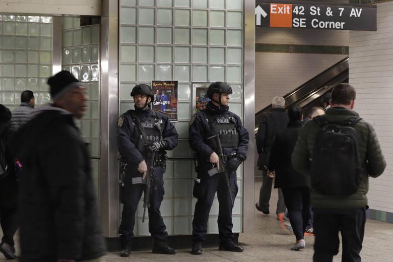 Belgia zmniejsza liczbę żołnierzy na ulicach