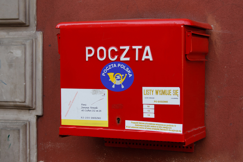Pracownicy Poczty Polskiej chcą podwyżek. Potrzebne 500 plus dla pocztowców?