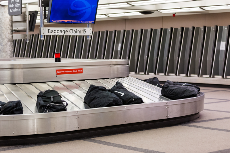 Kradli bagaże na lotnisku w Miami. Złodzieje w rękach policji